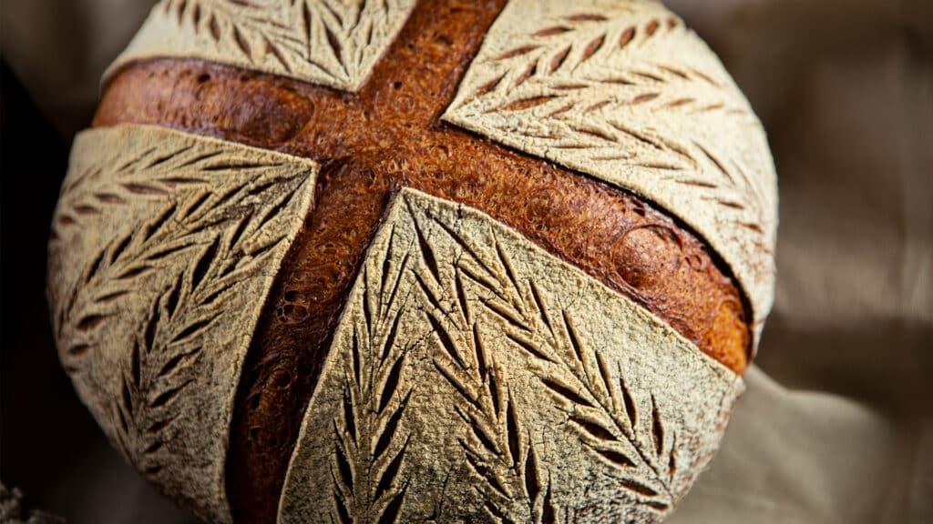Bread Scoring - Kreuz